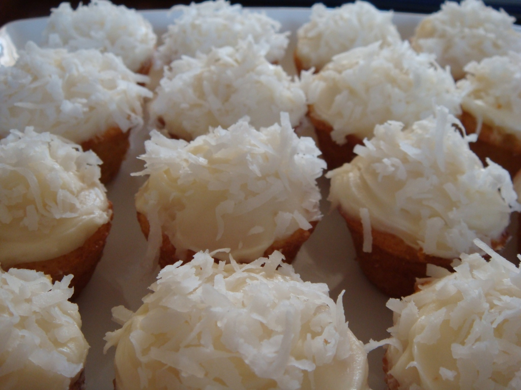 mini-coconut-cupcakes