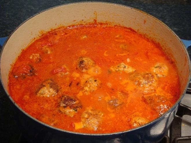 meatballs-in-sauce-1